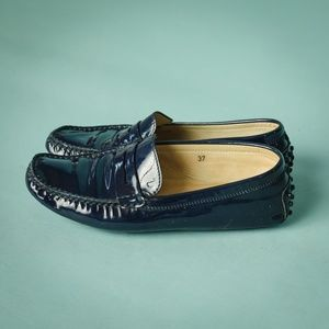 Tods 37 Blue Patent Leather Driving Loafer